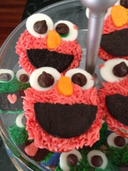 Not Your Normal Steam - Elmo Cupcakes